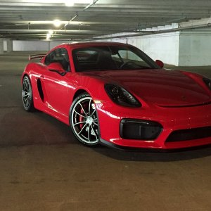 2016 Guards Red GT4